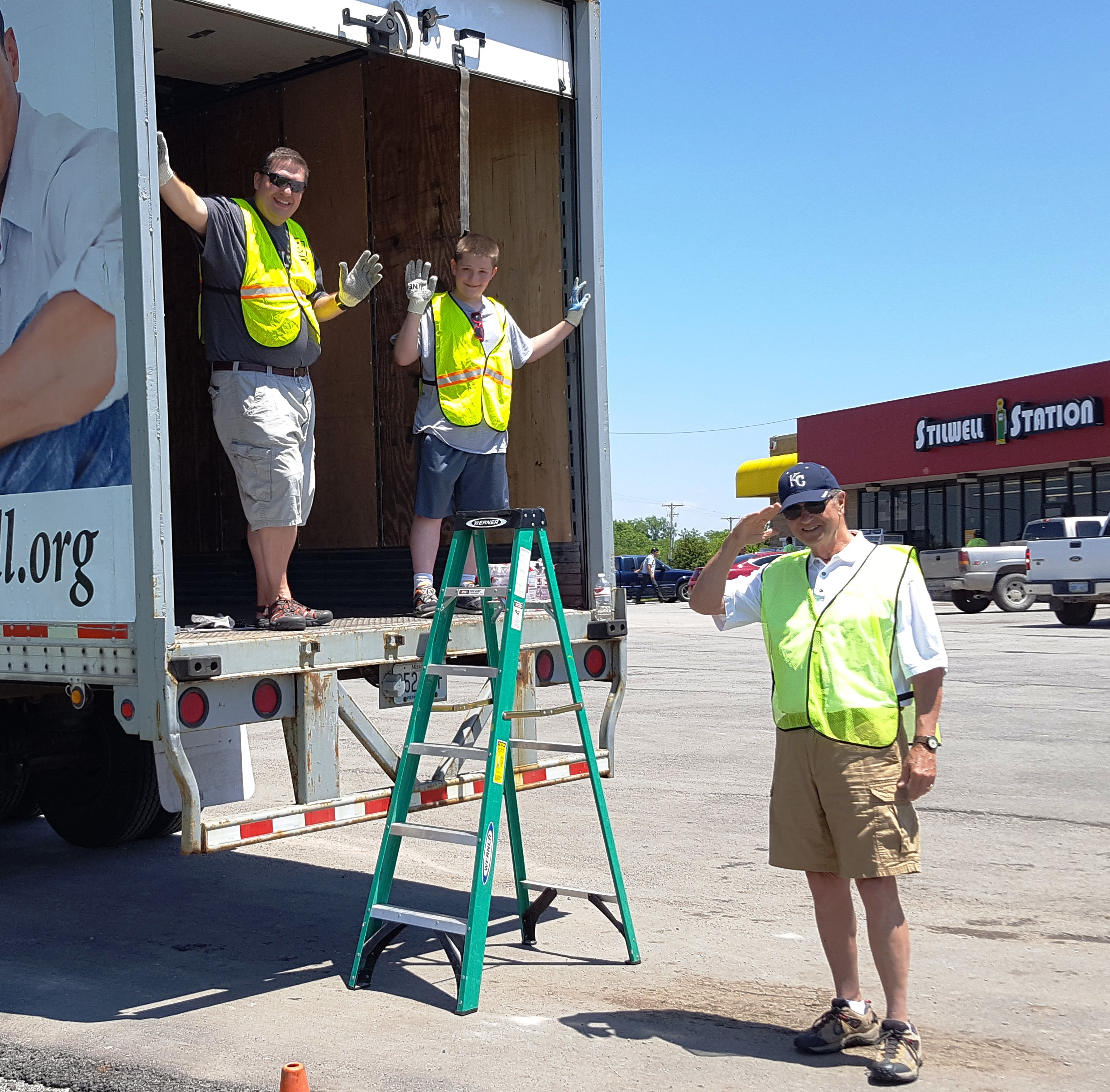 Stilwell, KS Community Fills Donation Truck
